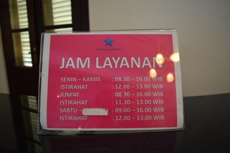 jam layanan perpustakaan nasional
