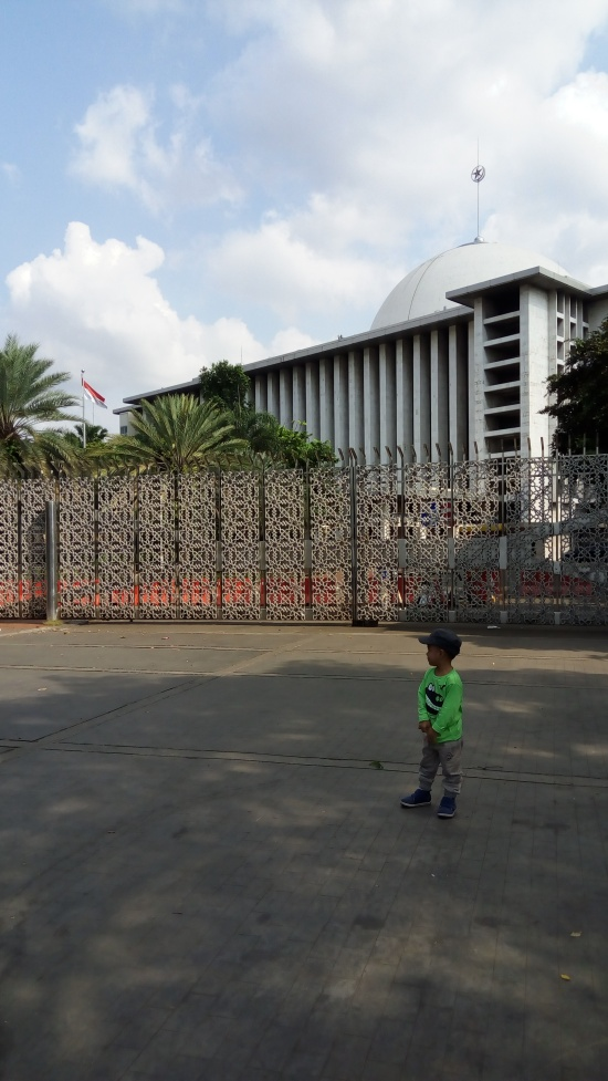 Bus wisata Masjid Istiqlal