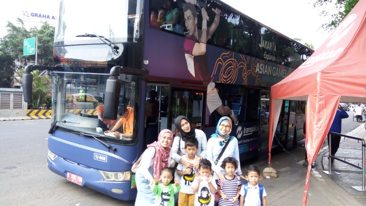 city tour bus mpok siti jakarta