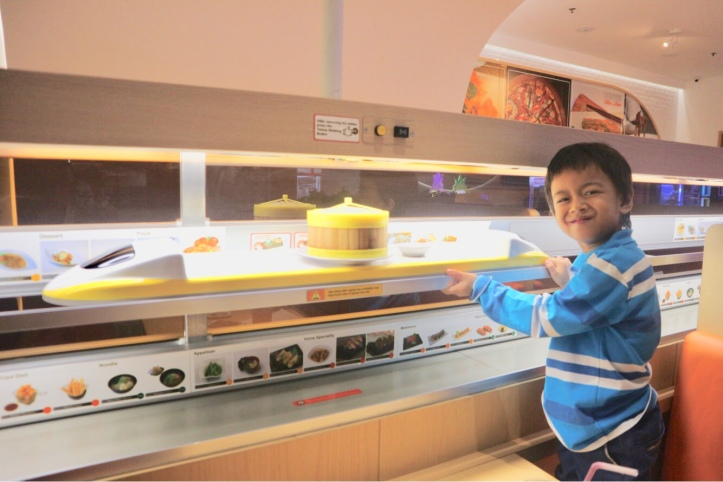 shinkansen resto cafe