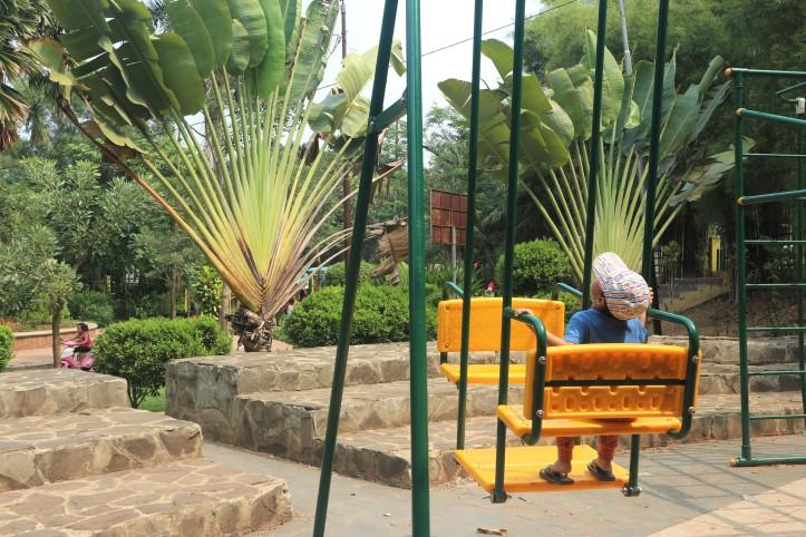 playground taman ekspresi taman pisang tangerang